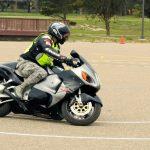 Motorfiets uit proberen